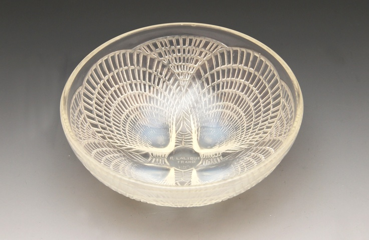 R. Lalique opalescent  bowl in the Coquilles pattern no. 3204.
