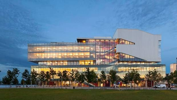 The George Brown building in the Toronto waterfront is innovative & green!
