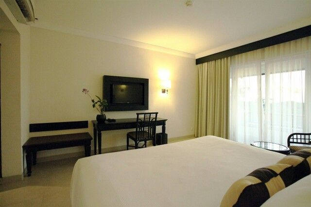 Deluxe Room with King Size Bed Grand Luley Resort Manado www.luleyhotels.com