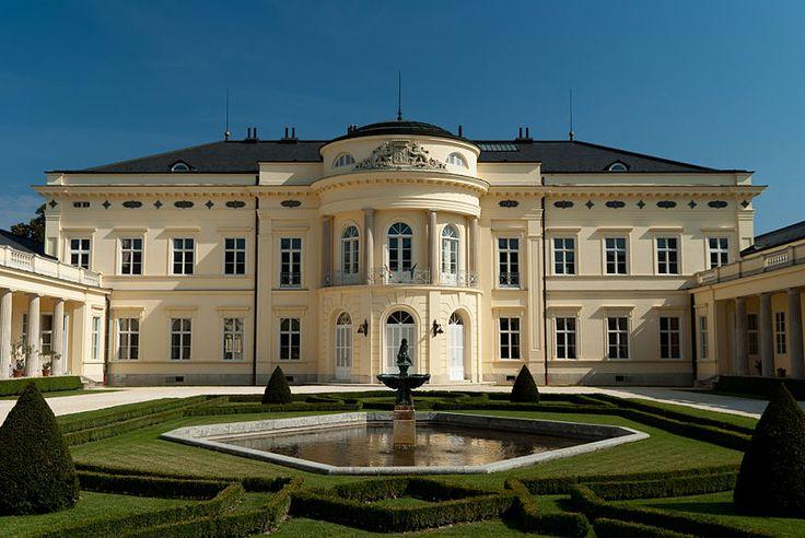 Fehérvárcsurgó.Károlyi kastély