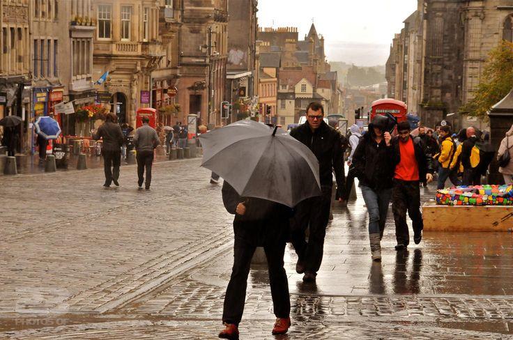 Rain on the Royal Mile photo | 23 Photos Of Edinburgh