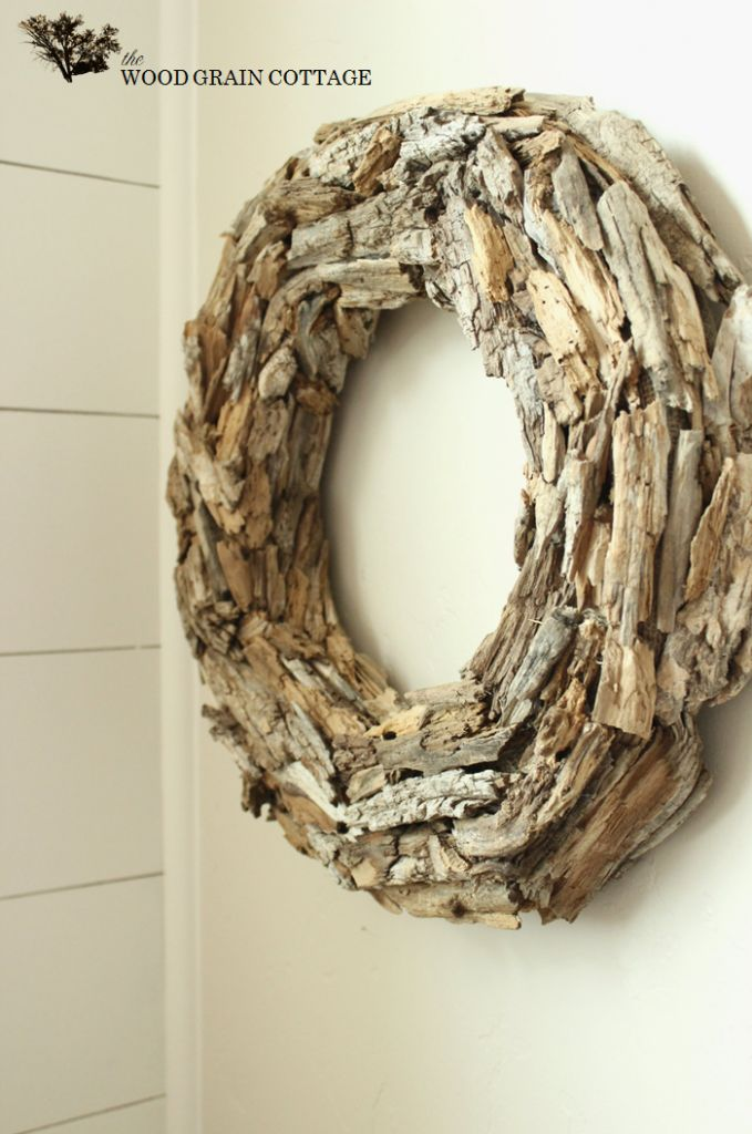 Gorgeous DIY Driftwood Wreath TUTORIAL.  thewoodgraincottage.com