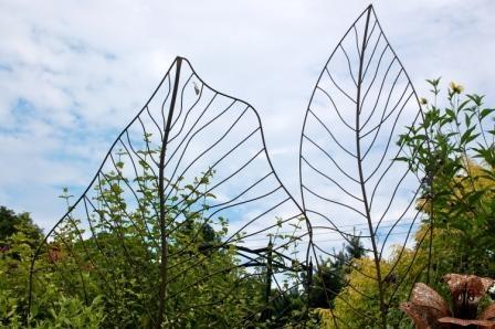Awesome metal trellis - Treillis metal jardin ...