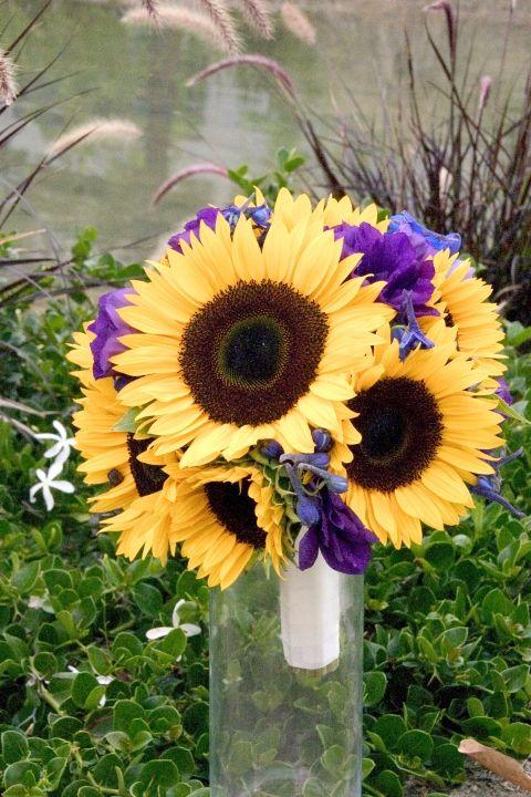 Best sunflower bridal bouquets ideas on pinterest