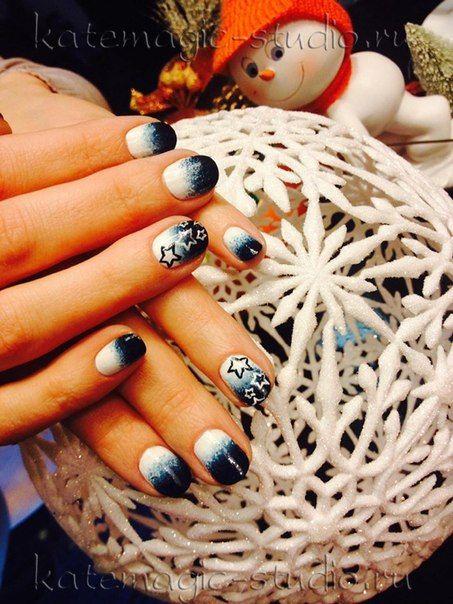 Идея маникюра, классический маникюр, рисунок на ногтях, короткие ногти, дизайн ногтей, нейл-арт, тематический маникюр, зимний маникюр, градиент, синий лак, белый лак, звезды, маникюр на новый год, Shellac, шеллак, гель-лак. Студия KateMagic. Москва, м. Борисово.  Телефон для записи: (495) 340 01 00  http://vk.com/katemagicstudio