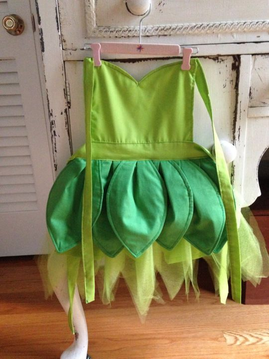 DIY Disney Tinkerbell Apron, toddler apron sewn, Pattern for this apron found on http://coffewithcreamer.com