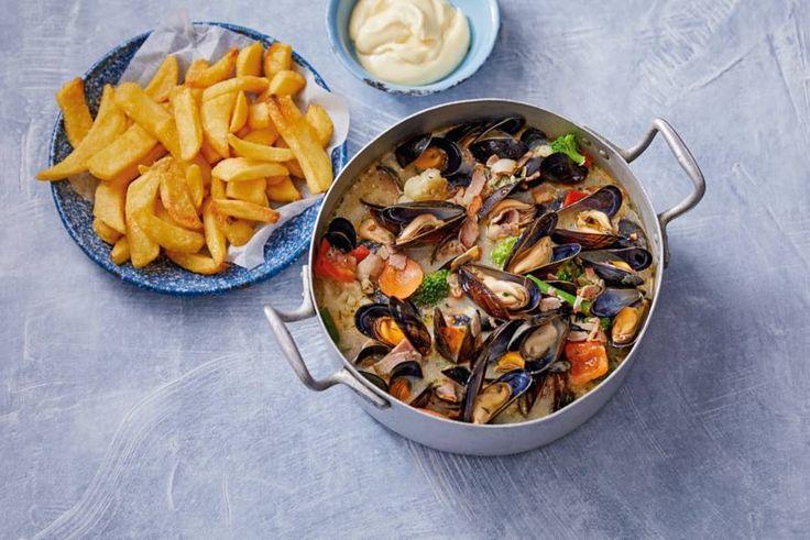 Zeeuwse mosselen met spek en room  makkelijk 30 min oven 20 min bereiden 790 kcal 68 kh