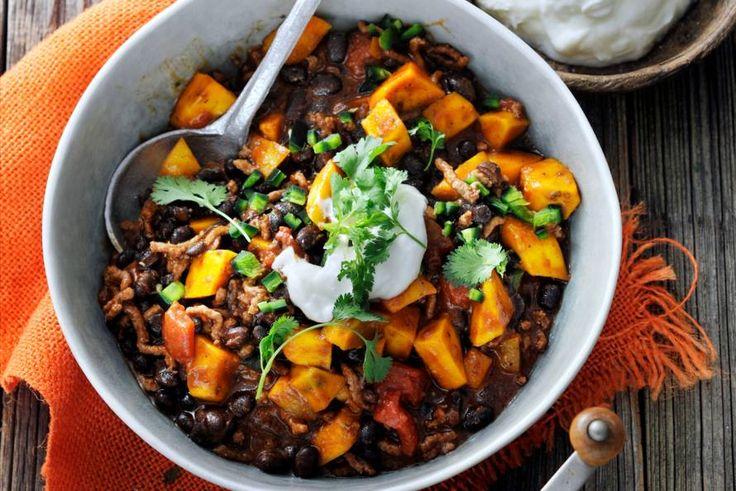 De kabocha pompoen geeft dit gerecht een volle, zoetige smaak - Recept - Allerhande