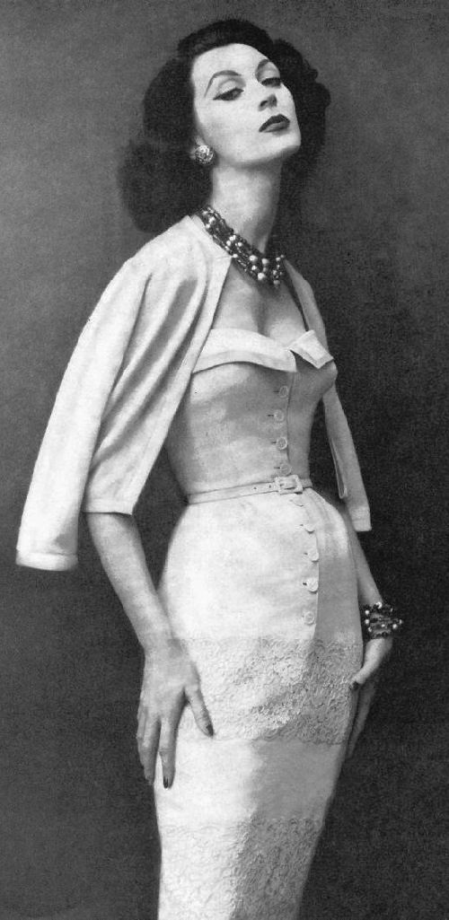 American model, icon of style of 1950s, Dovima