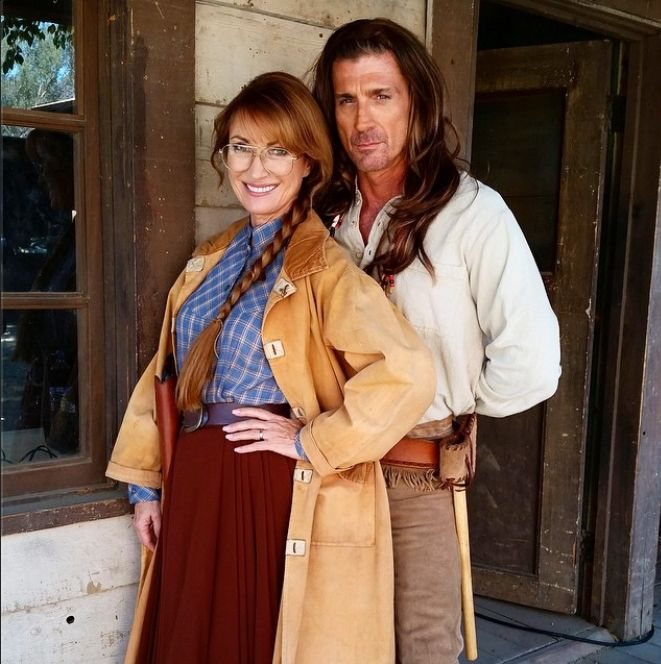 Jane Seymour And Joe Lando On The Set Of Funny Or Die