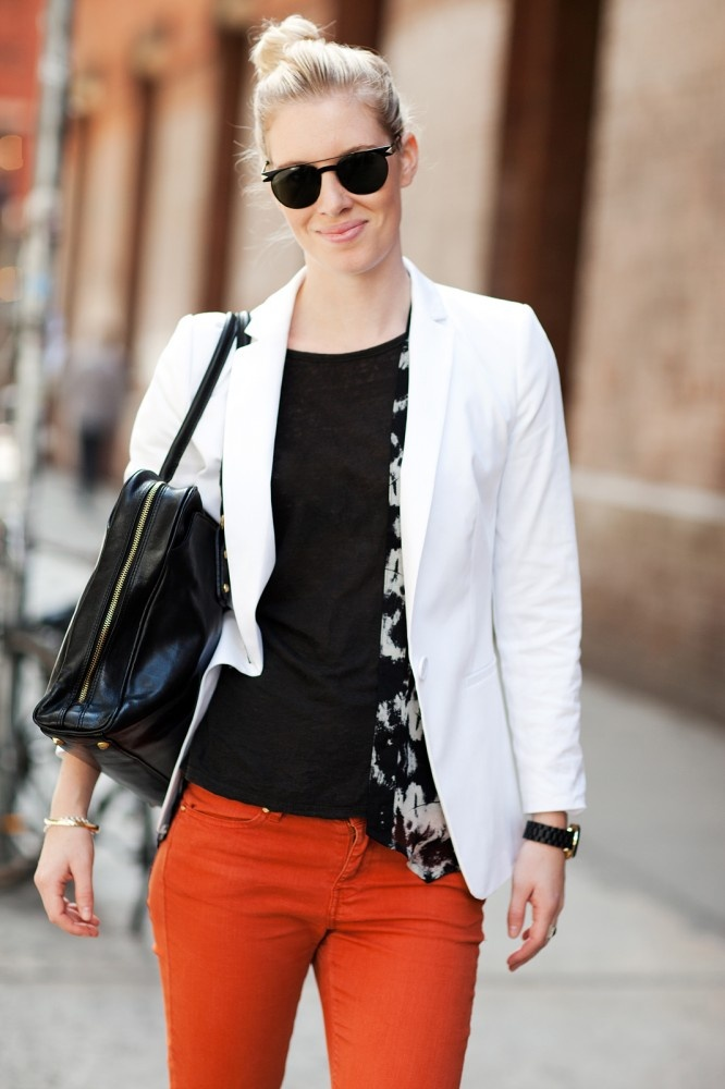 .: Colors Pants, Clothing Mi Style, White Blazers, Orange Pants, Street Styles, Blazers Style, Refinery29 Fans, Red Pants, Fashion Fans