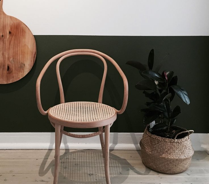 Lane and Grove Interior Design confidently used colour to ground this beautiful  space and highlight some very fine forms indeed in the Coogee Residence. On the first of Spring, Porter's Paints colour Green Velvet was a most appropriate colour of the day!