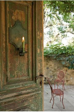✕ So gorgeous in every way.: Candles Lights, The Doors, Decor Ideas, Beautiful Rustic, Rustic Charms, Doors Candles, The Secret Gardens, Wooden Doors, Old Doors