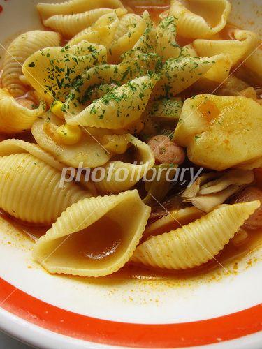 シェルマカロニのトマトスープパスタ 写真素材 フォトライブラリー ID ...