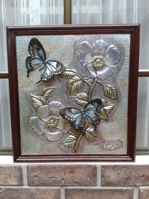 Amapolas con mariposas sobrepuestas. ..Galy Rodriquez