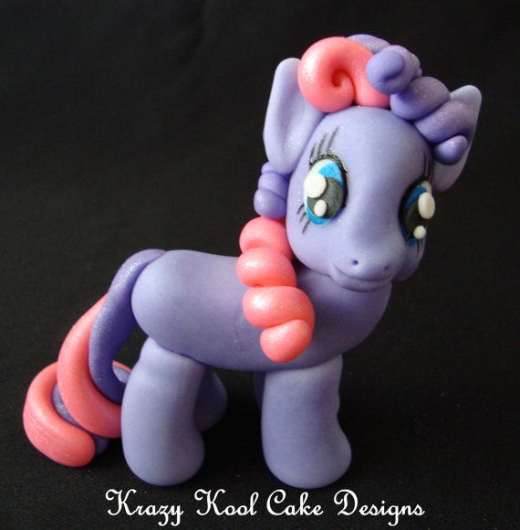 Little Pony Cake Topper In Purple by KrazyKoolCakeDesigns on Etsy - Wow, so cute!