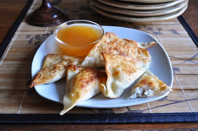 Homemade Crab Rangoon - tastes EXACTLY like the Chinese take-out version!!!!