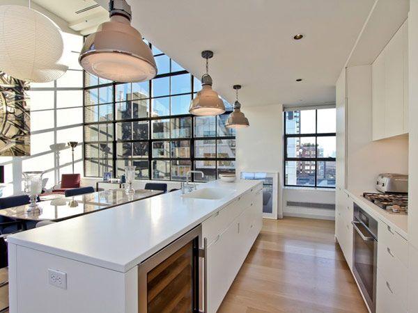 Cuisine américaine avec ilôt central dans un loft à New-York