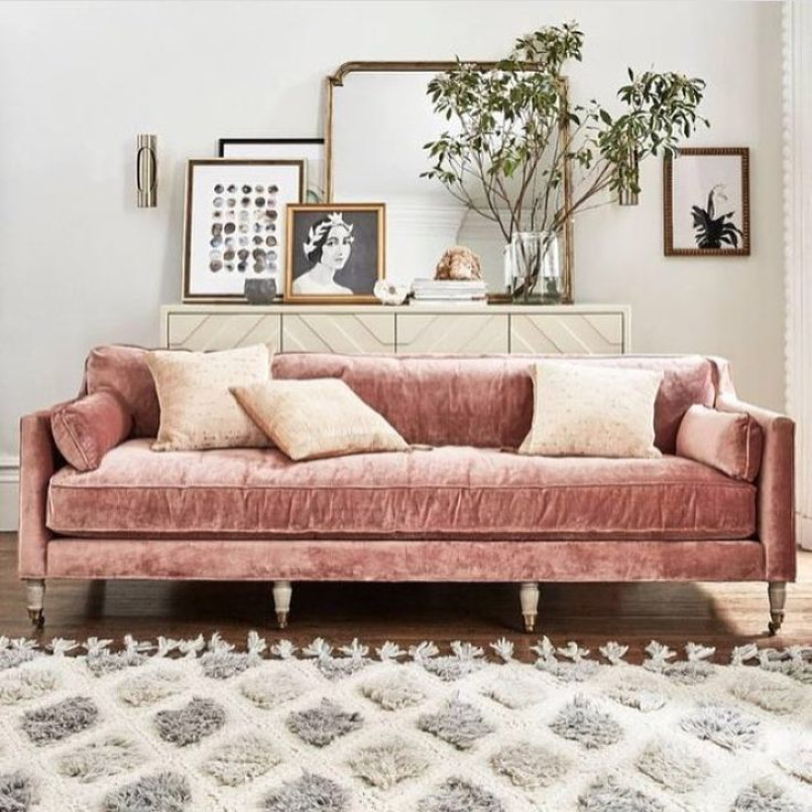 Okay, I'm still obsessed with anything and everything velvet, including and especially this dusty pink sofa from @anthropologie. The velvet says winter and the color says spring. ❄️#pinkvelvet #perfectforallseasons  via @thestylephiles