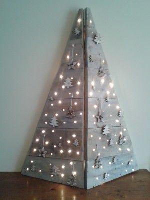 nice idea for an office Christmas Tree