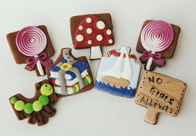 So many creative ways to use a present cookie cutter!