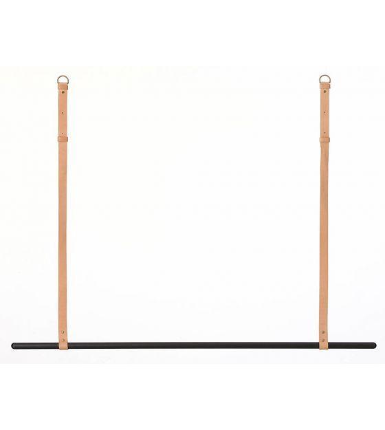 Ferm Living Kledingrek/kapstok metaal/leer zwart/bruin L135 cm x 87-107cm - wonenmetlef.nl