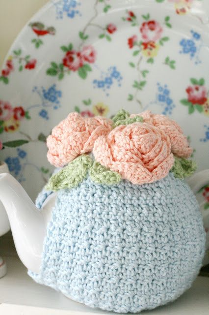 Coco Rose Diaries: A Week In View... What a beautiful crocheted teapot cozy. http://talesfromcuckooland.blogspot.nl/2011/06/ta-dahhhhhhhhhhh.html