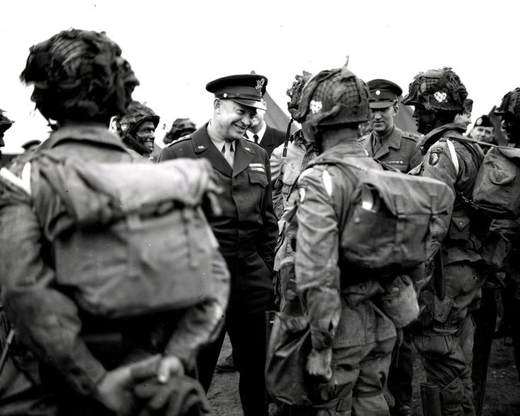 101st Airborne Forward Observer: Ike With The 101st Boys, Reverse Angle