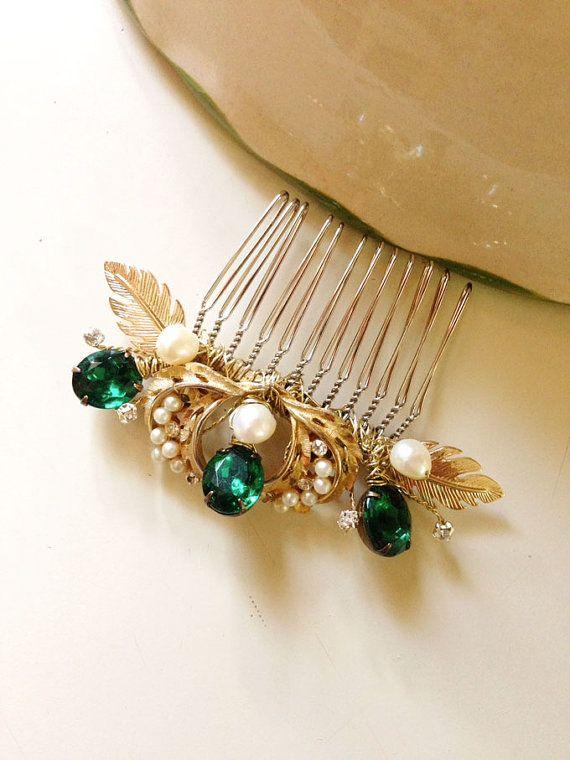 Emerald Gold and Pearls Bridal Hair comb vintage by amuandpri - Sold last one