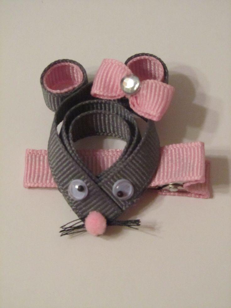 Cute Mouse Ribbon Sculpture
