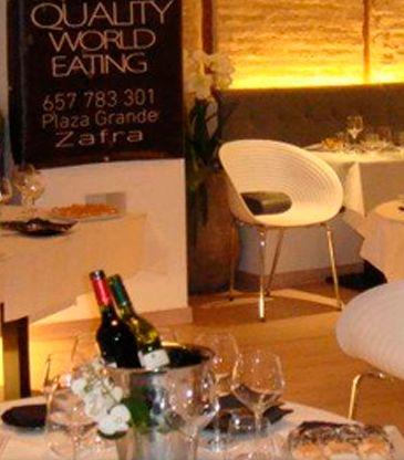 Dropo cuenta con una selecta carta de vinos con la que el cliente puede degustar el menú durante las comidas o cenas.