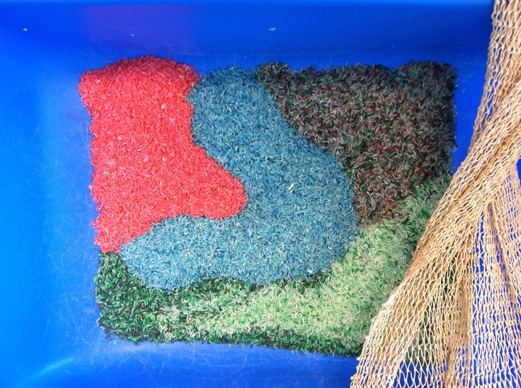 Colored rice is one of my favorite's activities. Shake in a zip lock bag rice, hand sanitizer and food coloring. Let children combine colors and discover what blue and red make together. A project that all ages enjoy!