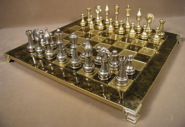 Staunton metal chess set with brass board cool home - Decorative beautiful chess sets ...
