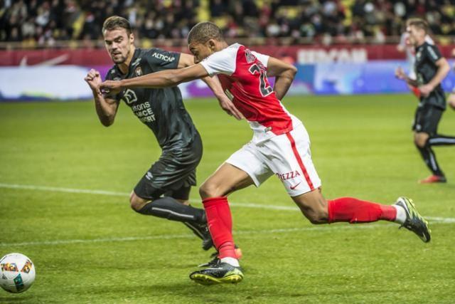 https://www.ouest-france.fr/sport/football/sm-caen/monaco-manchester-city-kylian-mbappe-etait-proche-de-signer-caen-4860925