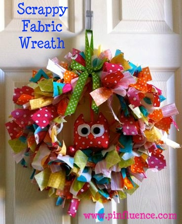 I love this scrappy fabric wreath!  Thanks for sharing, Tracy!  featured on www.pinfluence.com