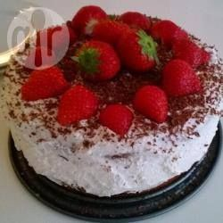 Foto recept: Snelle aardbeien-slagroomtaart