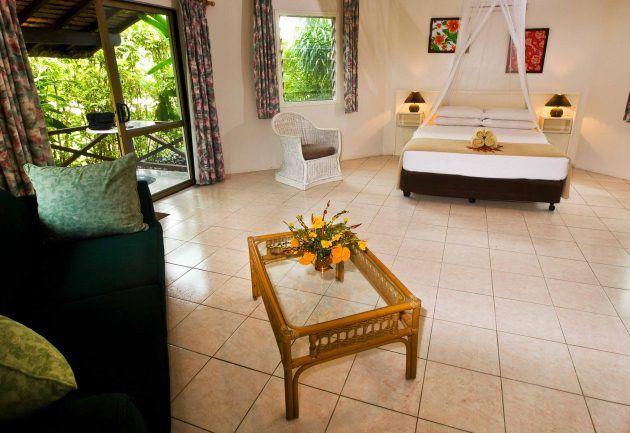 Vanuatu Resort, Port Vila Restaurant, Route de Teouma, Port Vila, Vanuatu, Call (678) 22 8 66, excellent restaurant, resort, Vanuatu Accommodation overlooking the Erakor Lagoon