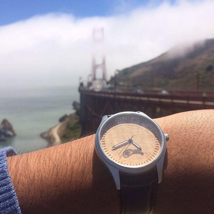 Desde el Golden Gate  en San Francisco con #castorwatches y un Dual Premium . Ven por el tuyo en www.castor-watches.com Whatsapp: 56994033705  Envío gratis en todo #chile. #sanfrancisco #goldengate #reloj #relojes #relojesdemadera #watch #watches #woodenwatches #accesorios