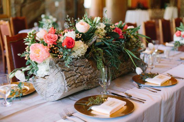best 25 log centerpieces ideas on pinterest wedding log centerpieces rustic centre pieces. Black Bedroom Furniture Sets. Home Design Ideas