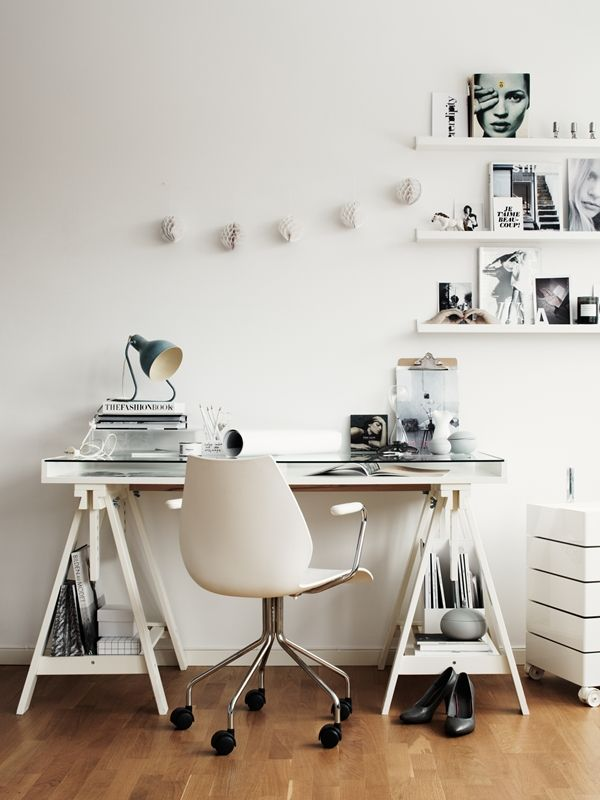 myidealhome: white workspace (via STIL INSPIRATION)