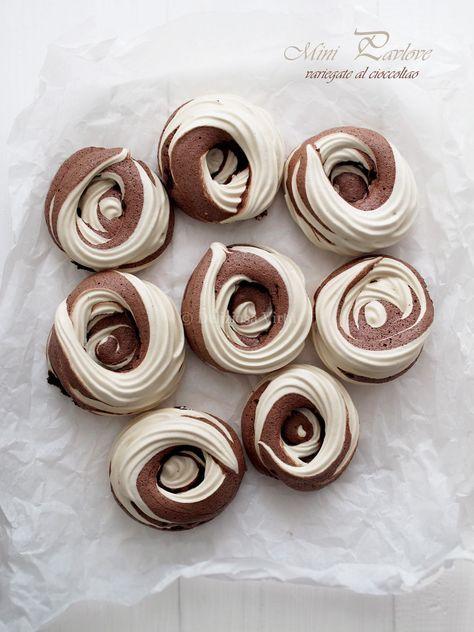 Mini pavlove variegate al cioccolato