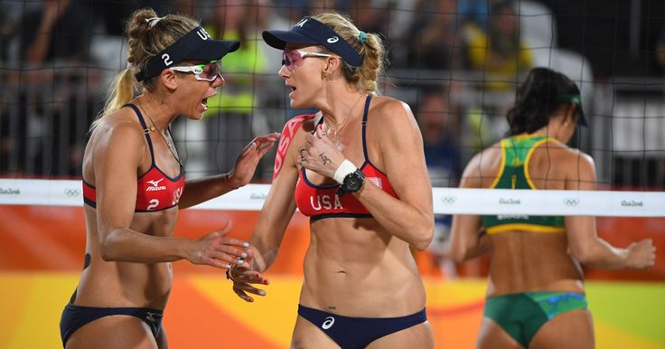 Via USATODAY: Kerri Walsh Jennings, April Ross fall in Rio SFs to home faves Agatha & Barbara of Brazil. http://usat.ly/2bFnxGa