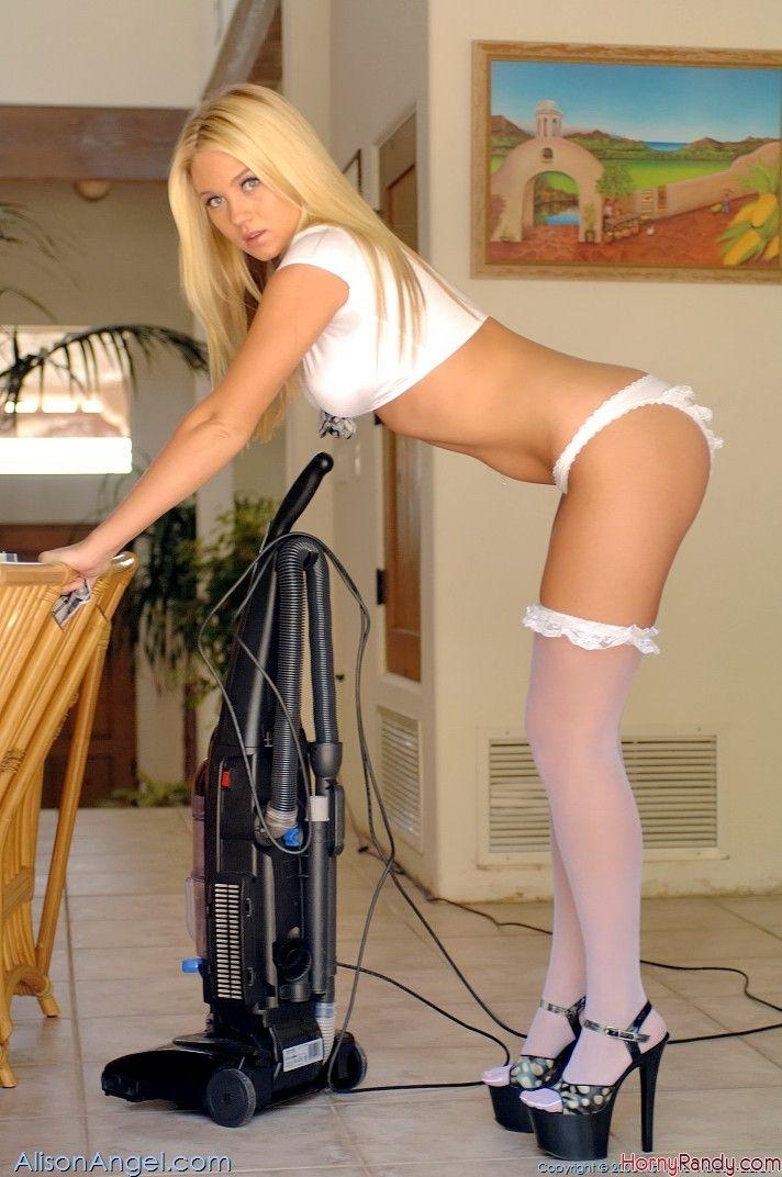 Hot Naked Maid 70
