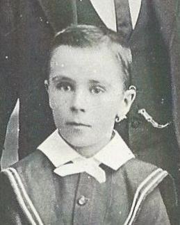 Harold Cliffor Croucher around 1909 who is in Pinarro Brisbane 1902 - 1975