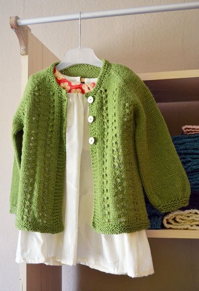 Sweet little cardigan pattern. In sizes from 0-10years!