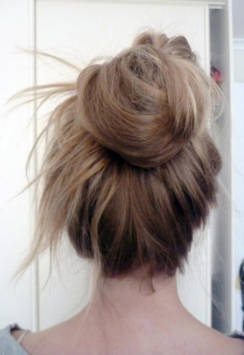 I love messy buns <3Hairstyles, Tops Knots, Long Hair, Beautiful, Messy Buns, Hair Style, Lazy Hair, Hair Looks, Hair Buns