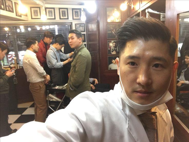 란조바버헤드.Studying . . . . . . . . #밤므 #홍대바버샵 #홍대 #합정 #상수  #이발소 #란조 #남자머리 #korea #barbershop #conceptbarbershop #bombmme #ranjo #bombmmebarbershop #daily #hairstyle #instagram #instagood #✂️  @wahlpro @londonschoolofbarbering @reuzel @the_bloody_butcher @schorembarbier @savillsbarbers @frankiedesigns @barbershopconnect @worldbarbershops @andisclippers @officiallayrite @osterpro @showcasebarbers @barberlessons_ @blindbarber @suavecitopomade