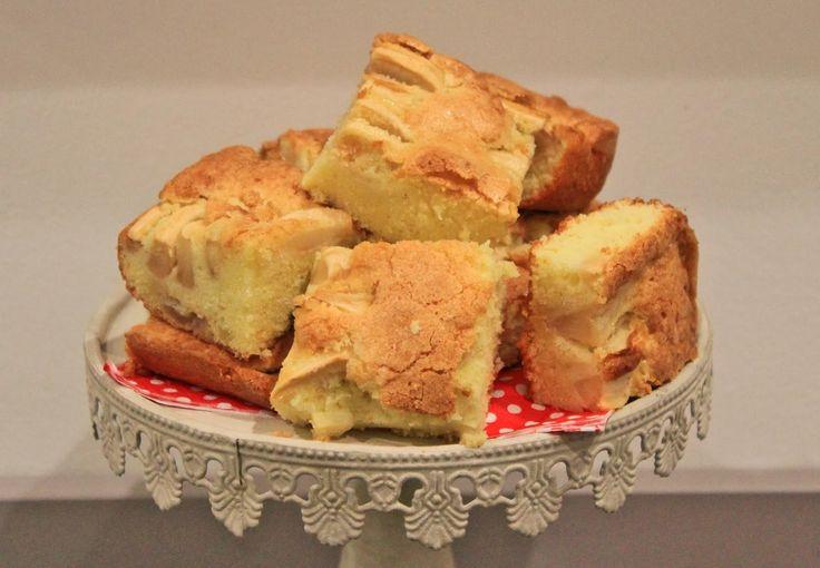 Chiara Maci: Torta di mele, uva e scorza di limone.