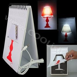 Darček Page by page lampa http://www.coolish.sk/sk/doplnky-darceky/page-by-page-lampa