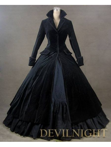 Black Velvet Vintage Winter Outfit Victorian Dress. I have no idea where I would wear this, but I love this! So classic :)